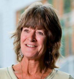 Dr. Yvonne Heerkens